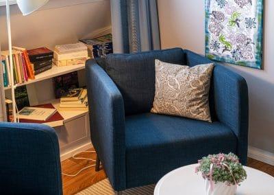 Lesezimmer Sitzecke mit Buchregal